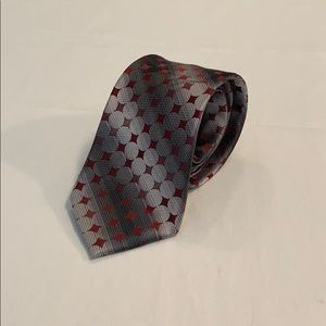 Arrow Patterned Polyester Tie Wrinkled NWOT